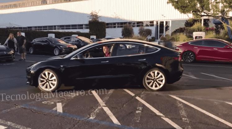 Vean por favor este automóvil, y digame alguien que no es lo mejor que han visto, un Tesla Model 3 real.