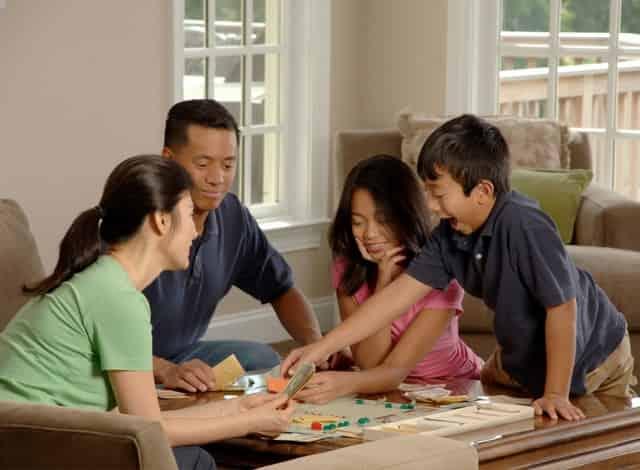 juego de mesa en familia